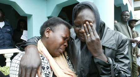 Sørsudanere i Khartoum sørger i dag over Garangs død (Scanpix/AP)
