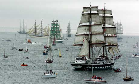 Rundt 100 seilskuter er på vei fra Newcastle til Fredrikstad.(Foto: AP Photo/John Cogill/Scanpix)