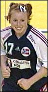 Karoline Dyhre Breivang og de andre norske spillerne var avhengige av danskene for å gå videre i EM, men Danmark var sjanseløse mot Romania.
