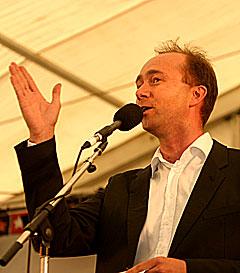 Trond Giske åpnet Notodden Bluesfestival 2005. Foto: Arne Kristian Gansmo, NRK.