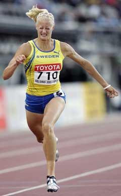 Carolina Klüft løp 200 meter på 23,70. (Foto: AFP/Scanpix)