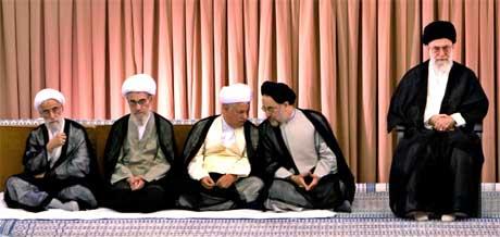 Ayatollaene utgjør det politiske lederskapet i Iran (Foto: Scanpix/Reuters/R. Homavandi)