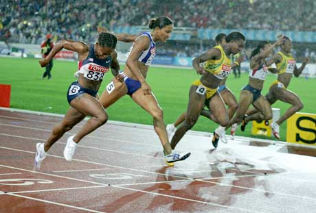 Lauryn Williams (nærmest) vant 100 meter. (Foto: Reuters/Scanpix)