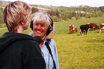 Kari Bay Haugen på jobb for NRK (Foto: NRK)