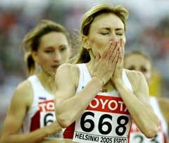 Tatjana Tomasjova etter seiren. (Foto: AP/Scanpix)