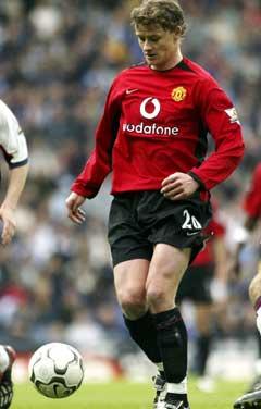 Alex Ferguson er usikker på om han får se Ole Gunnar Solsksjær i United-trøya igjen. (Foto: AP/Scanpix)