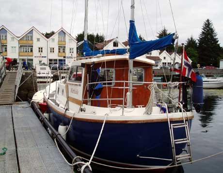 Bekkjarvik er ei populær havn for båtturistar. Foto: Espen Hatlestad / NRK.