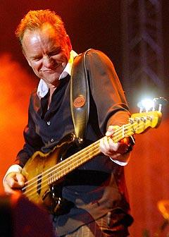 Sting sine konserter i Bergen og Molde blir trolig også utsolgt, og svartebørshaiene vil være på plass. Foto: Gurinder Osan, AP Photo / Scanpix.