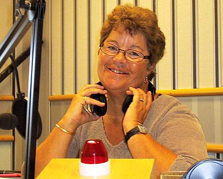 Bilde: Når Margrethe Holt starter opp igjen populære Det fikser P1 mandag er ei klosterdør og en hotellbrødrister blant ønskene hun håper å oppfylle med lytternes gode hjelp. (Foto: Jon-Annar Fordal)