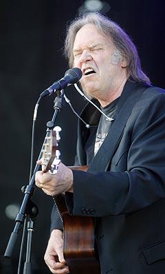 Neil Young gir ut countryplata