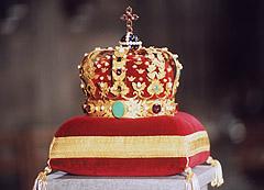 Kongekronen ble laget av Olof Wihlborg i Stockholm 1818 på bestilling fra kong Carl Johan. Foto: NTB Bjørn Sigurdsøn / SCANPIX