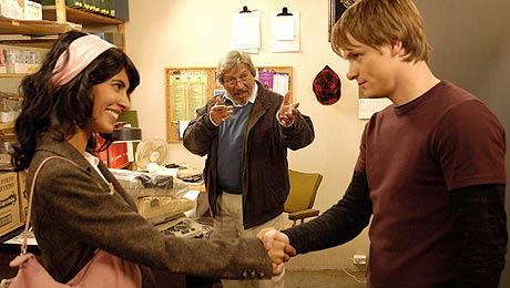 Jasmin (Iram Haq), Allahditta (Talat Hussain) og Jan (Bjørnar Lisether Teigen), Foto/Copyright: Filmhuset Produksjoner