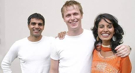 Regissør Khalid Hussain, Bjørnar Lisether Teigen og Iram Haq. Foto/Copyright: Filmhuset Produksjoner