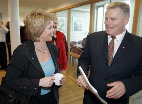 I en samtale mellom Sp-leder Åslaug Haga og LO-leder Jan Davidsen kommer det frem at LO vil gi penger til Senterpartiet. (Foto: Scanpix/Lise Åserud)