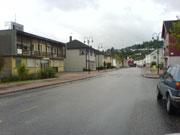 - Ikke steng veien gjennom Ulefoss sentrum, oppfordrer fylkesleder i Trygg Trafikk Brita Straume.(Foto: Ken Willy Wilhelmsen-NRK)