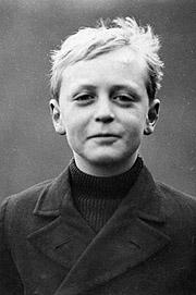 Kronprins Olav som 9-åring. Foto: NTB arkivfoto