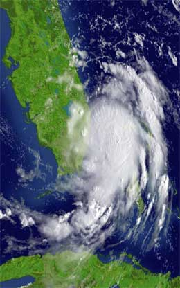 "Satellittbilete av orkanen ""Katrina"" som no herjar Floridakysten. (Foto: AFP/Scanpix)"