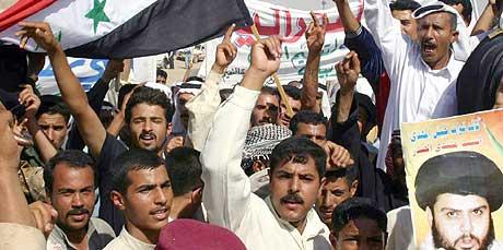 Det var store demonstrasjoner mot grunnlovsforslaget i byen Kirkut i dag. (Foto: Scanpix/AFP)