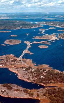 Bruene til og fra ferieparadiset Hvaler (bildet) er under vegvesenets oppsikt. NTB arkivfoto: Tom Myhrvold
