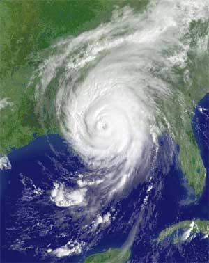 Satellittbilde av orkanen kl 17.15 i ettermiddag, like etter at den rammet kysten av Louisiana. (Foto: Scanpix / Reuters / NOAA).