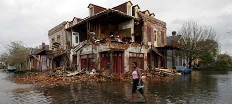 Stormen har fart hardt med det gamle huset i den historiske delen av New Orleans (Foto: G.Coronado, AP)