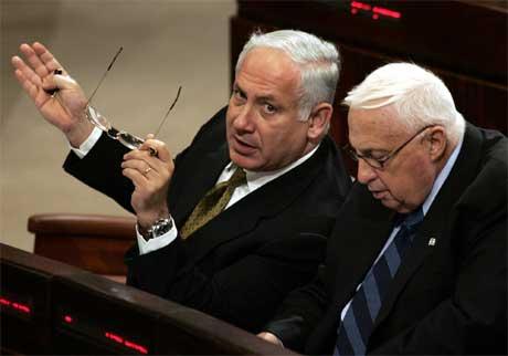 Benjamin Netanyahu og Ariel Sharon.(Foto:AP/Scanpix)