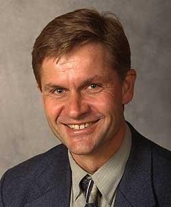 – Situasjonen er fortsatt meget alvorlig, sier utviklingsminister Erik Solheim. (Arkivfoto: Scanpix)