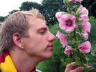 På plantejakt i Botanisk hage. Foto: NRK