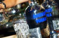 ...eller drikke sprit? Foto: Scanpix - Heiko Junge