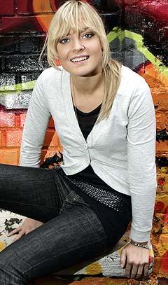 18 år gamle Charlotte Thorstvedt (datter av tidligere landslagsmålvakt Erik Thorstvedt) skal lede programmet «Hett Nett NO» og presentere musikkvideoer når norske MTV lanseres 18. september. Foto: Heiko Junge, Scanpix.