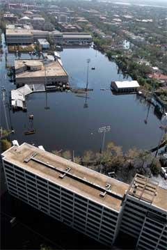 Universitetsområdet i New Orleans er også under vann. (Foto: Reuters/Scanpix)