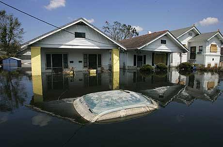 Tallet på omkomne kan være lavere enn tidligere fryktet. Bildet viser det oversvømte Edgewood-distriktet i New Orleans 6. september. (Foto: AFP/Scanpix)
