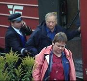 Flere hundre passasjerer ble evakuert fra togene på Drammensbanen onsdag morgen. Foto: NRK