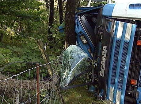 Sjåføren overlevde. Foto: Bjørn Olav Skjæveland