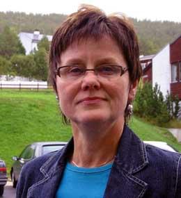 Ordfører i Folldal, Eva Tørhaug, avviser kritikken (Foto: NRK)