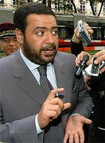 TIL MØTE: Kuwaits oljeminister sjeik Ahmad Fahad Al Ahmad Al Sabah har formannsvervet i OPEC. Foto: AFP/Scanpix.