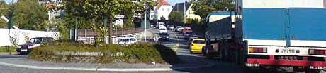 Køene i Fredrikstad sentrum løses ikke kun med en ny Kråkerøy-bro. MMS-foto: David Andresen, NRK