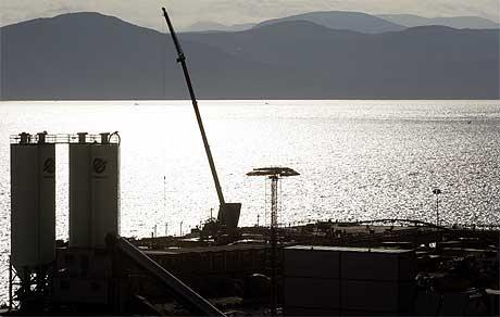 VIL LETE MER: Statoil vil gjerne ha mer enn Snøhvit-anlegget helt nord i Norge. Foto: Lise Åserud/Scanpix.