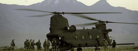 Ill.-foto: Chinook-helikopter på Bagram-basen i Afghanistan. (Foto. J.Berry, AP)