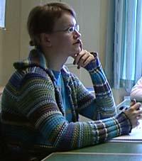 I dag går Tine til behandling og på videregående skole for å ta opp fag.