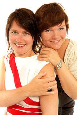 """Helene Samuelsen og Ragnhild Silkebækken byr på sex- og samlivsprogrammet """"Pepper & pasjon"""" i NRK P1 på torsdagskveldene. (Foto: NRK/Ole Kaland)"""