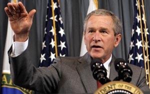 Bush ba i dag amerikanerne spare bensin der det er mulig. (Foto: S. Walsh, AP)