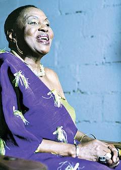 Miriam Makeba har bestemt seg for å avslutte sin karriere som turnerende musiker. Foto: Promo.