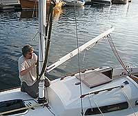 Morten krogh er den flittigste brukeren av seilbåten i familien. Foto: Eirik Flugstad, NRK.