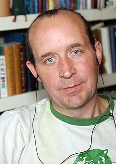 NTNU-forsker Hendrik Storstein Spilker har forsket på ungdommenes mobile musikkvaner. Foto: Arne Kristian Gansmo, NRK.
