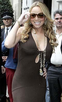 Mariah Carey liker seg på kasino. Foto: Jacques Brinon, AP Photo / Scanpix.