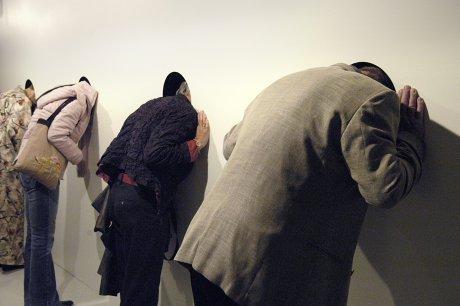 """Publikum lytter til """"Norske ledd"""" i Stenersenmuseet"""