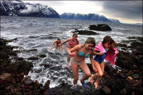 """""""Isbading i Sognefjorden"""" heiter vinnarbiletet til May Britt Eide"""