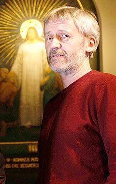 Erik Hillestad i Kirkelig Kulturverksted ønsker velkommen alternativer til salmer i Kirken. Foto: Erlend Aas, Scanpix.