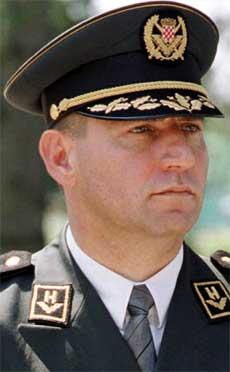 KRIGSHELT OG KRIGSFORBRYTER: General Ante Gotovina har vært etterlyst i flere år, og saken har forsuret forholdet mellom EU og Kroatia.